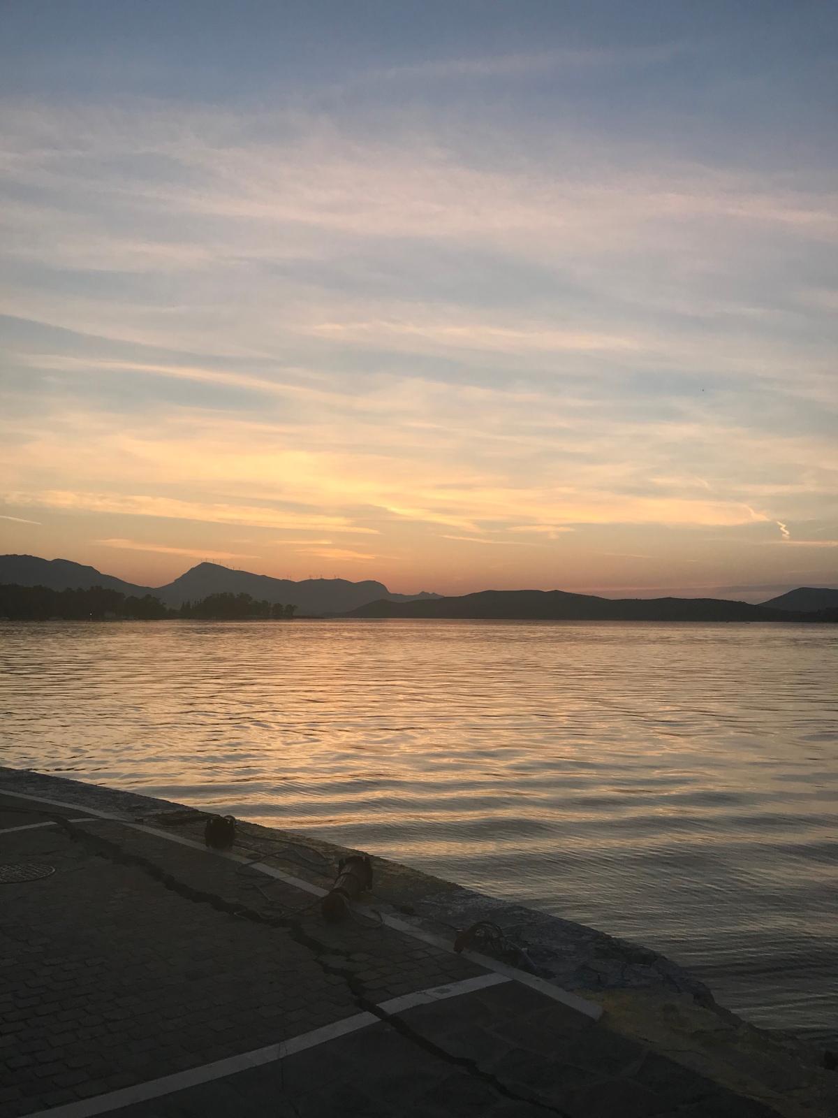 Am fost în Ciclade și m-am îndrăgostit de Grecia și denavigație
